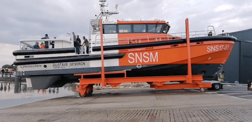 Couach met à l'eau son premier gros bateau pour la SNSM